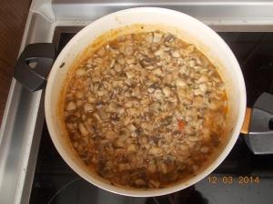 """ovako izgleda nakon kuhanja a riža će upiti i ostatak vode, što nisam stigla da uslikam jer je """"neko"""" bio gladan :)"""